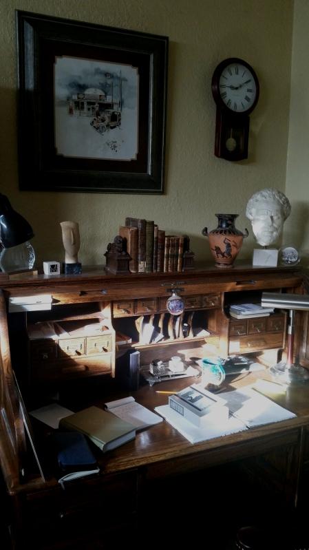 Hemingway desk