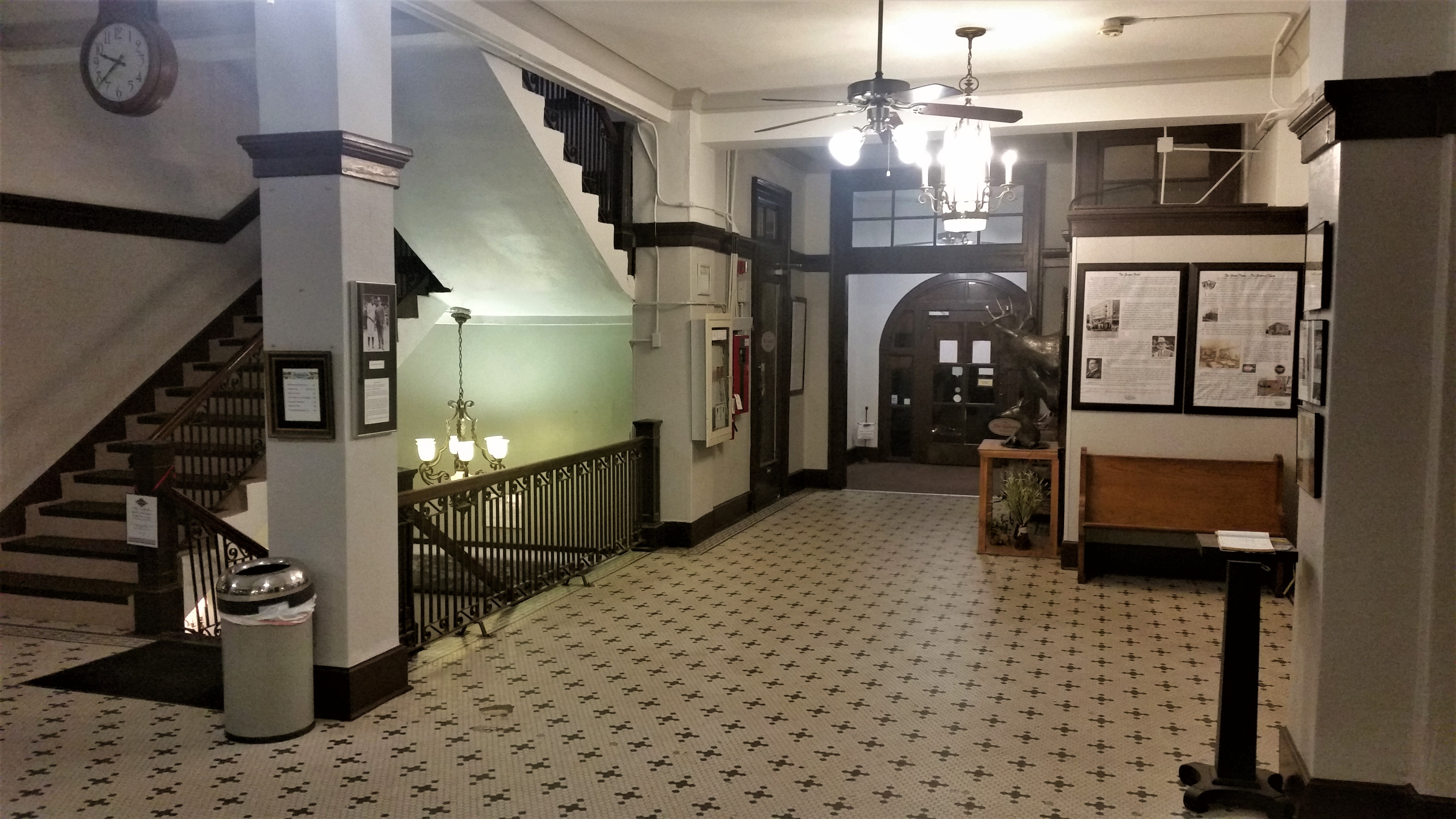 Redlands lobby
