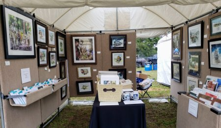 Edom, Texas is flourishing with the Art Festival in full swing. Temperatures have dropped to the sixties with the recent rains, and ushered in perfect weather for enjoyment of the arts. Patrons are keeping me busy so I have to make this brief. Thanks for reading.